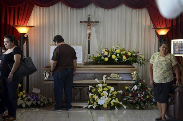 Похороны рекордсмена по числу матчей за сборную Сальвадора по футболу Альфредо Пачеко