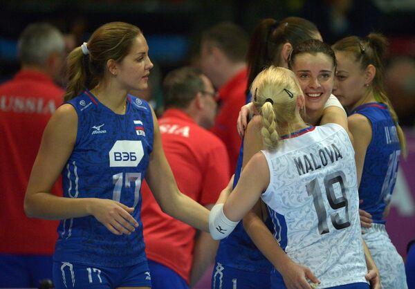 Волейболистки сборной России Наталья Малых, Яна Щербань и Анна Малова (слева направо)