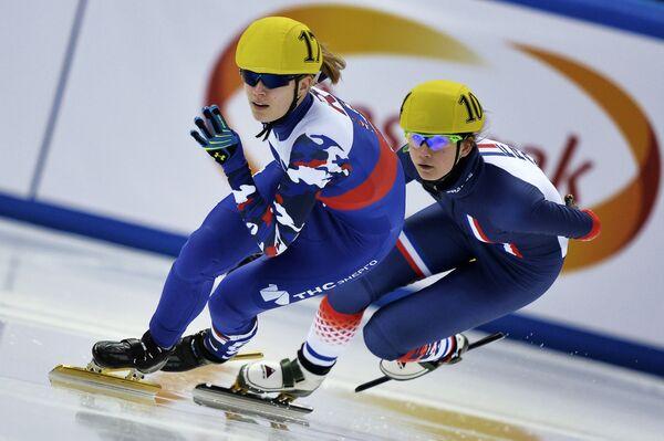 Слева направо: Евгения Захарова (Россия) и Зельма Поутсма (Франция)