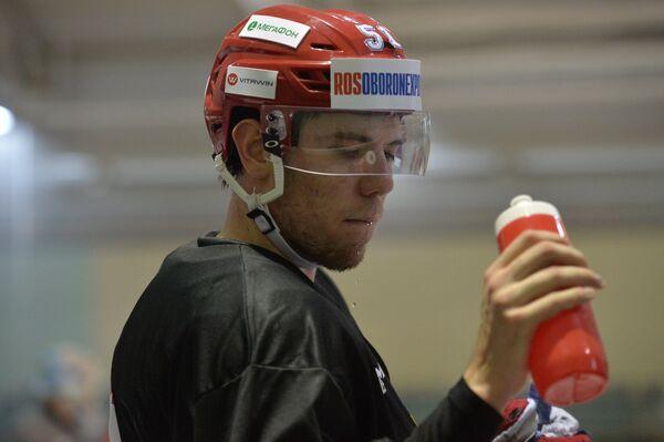 Защитник сборной России Алексей Береглазов