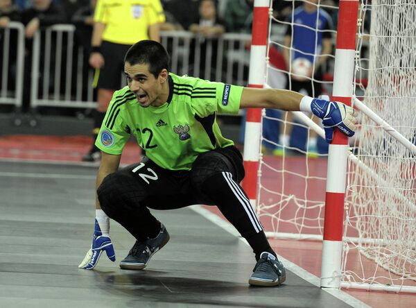 Вратарь сборной России по мини-футболу Густаво