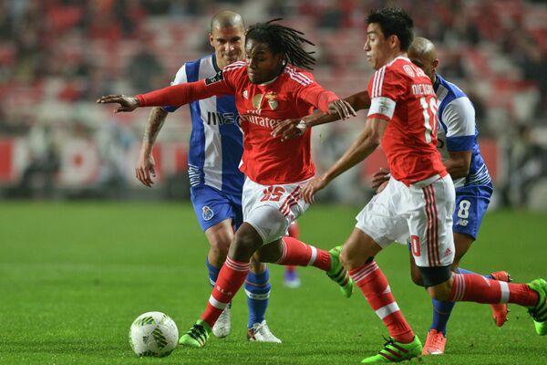 Игровой момент матча Бенфика - Порту