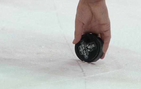 Хоккейная шайба с надписью плей-офф