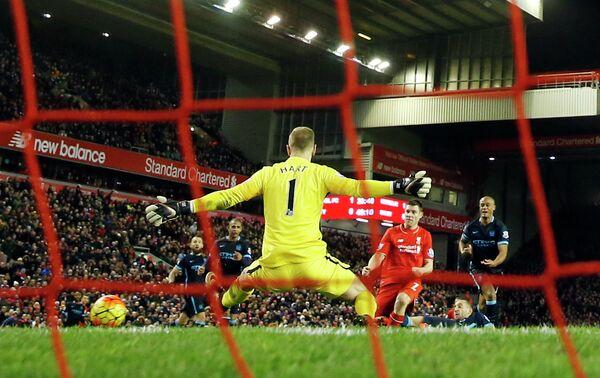 Игровой момент матча АПЛ Ливерпуль - Манчестер Сити