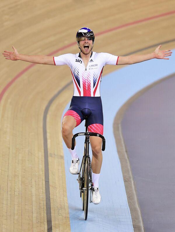 Британский велогонщик Джонатан Диббен