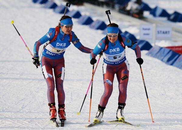 Дарья Виролайнен (Россия) и Екатерина Юрлова (Россия) (слева направо)