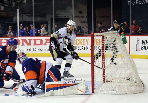 Форвард клуба НХЛ Питтсбург Пингвинз Том Кюнхакль (№34)