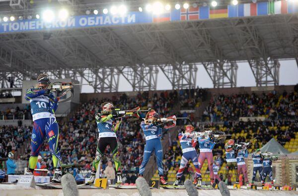 Слева направо: биатлонистки Анаис Бескон (Франция), Надежда Скардино (Белоруссия), Габриэла Соукалова (Чехия) и Тириль Экхофф (Норвегия)