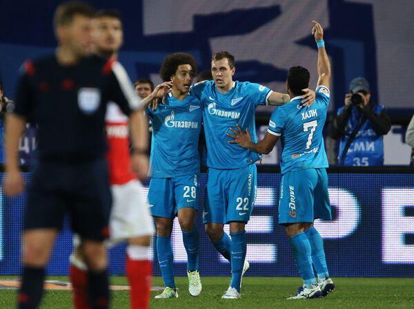 Футболисты Зенита Аксель Витсель, Артем Дзюба и Халк (слева направо)