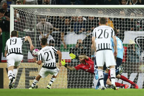 Игровой момент матча Ювентус - Лацио