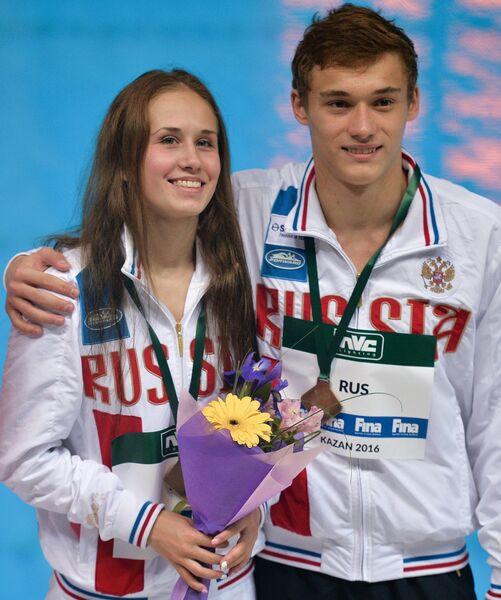 Никита Шлейхер и Юлия Тимошинина (справа налево)