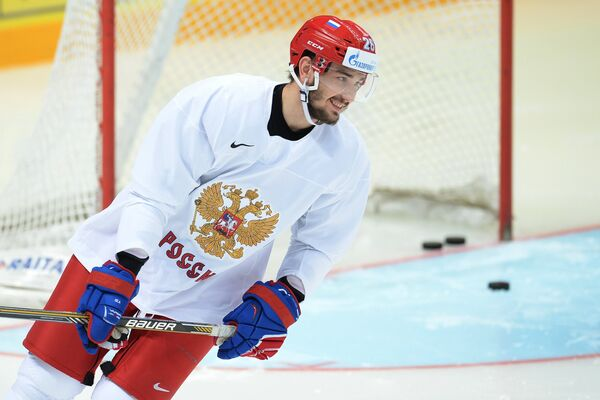 Защитник сборной России по хоккею Вячеслав Войнов