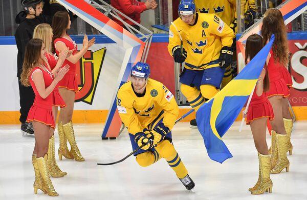 Игроки сборной Швеции Юхан Сундстрём (слева) и Микаэль Баклунд