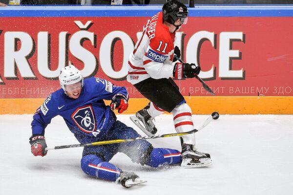 Игровой момент матча Канада - Франция