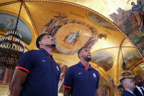 Игроки ПБК ЦСКА (слева) Кайл Хайнс и Кори Хиггинс в Большом Кремлевском дворце