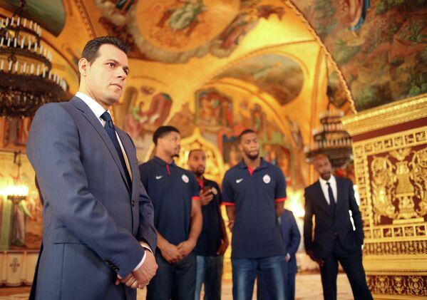 Главный тренер ПБК ЦСКА Димитрис Итудис (на переднем плане) в Большом Кремлевском дворце