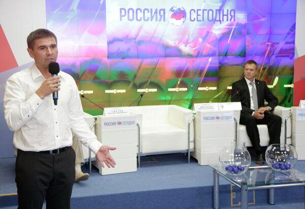 Юрий Ветоха (слева)