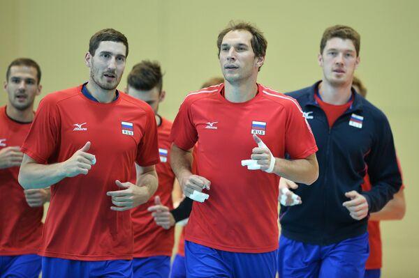 Волейболисты мужской сборной России  Дмитрий Мусэрский, Андрей Ащев и Максим Михайлов (справа налево)