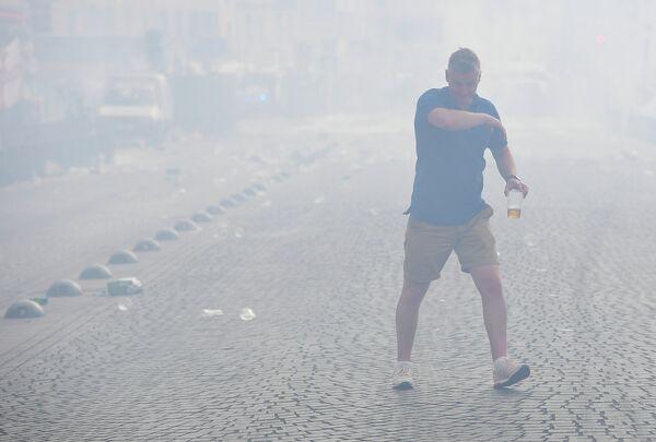 Полиция в Марселе применила слезоточивый газ