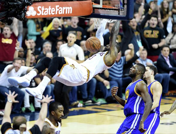 Игровой момент матча НБА Кливленд Кавальерс - Голден Стэйт Уорриорз