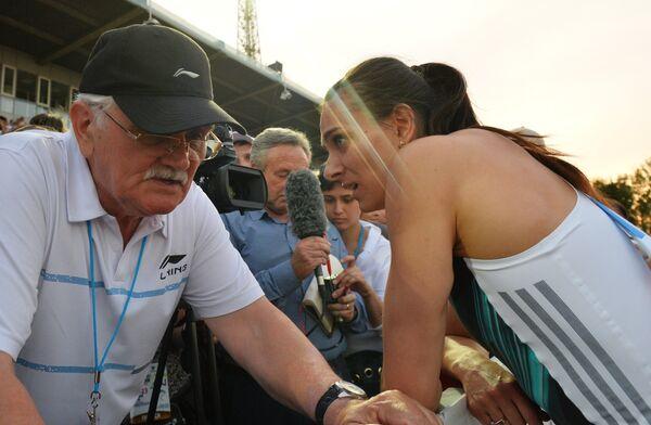Елена Исинбаева со своим тренером Евгением Трофимовым