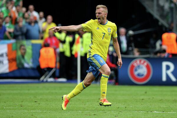 Хавбек сборной Швеции Себастьян Ларссон