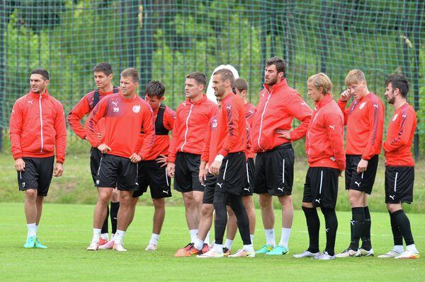 Футболисты Рубина на тренировке команды